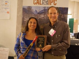2017 Symposium Bob Case Golden Weed Wrench Award to Jennifer Prado_small